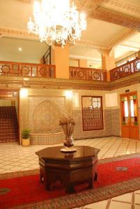 The lobby or reception area at Hotel Nouzha