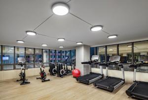 The fitness center and/or fitness facilities at The Marquette Hotel, Curio Collection by Hilton