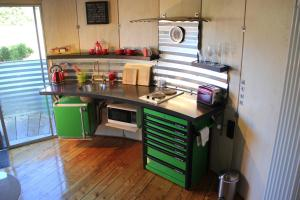 A kitchen or kitchenette at SiloStay