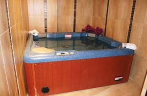 A bathroom at Crithoni's Paradise Hotel