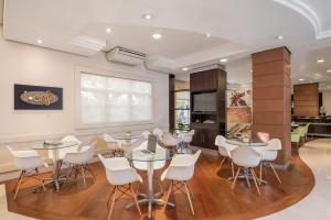 Um restaurante ou outro lugar para comer em Intercity Porto Alegre Aeroporto