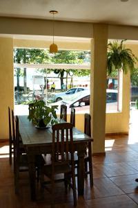 Um restaurante ou outro lugar para comer em Geko Pousada Paraty