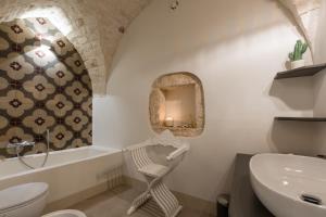 A bathroom at Ca'milla Suite Home