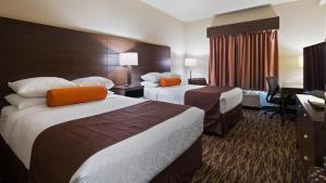 Кровать или кровати в номере Best Western Plus Bridgewater Hotel & Convention Centre