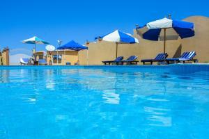 Baseinas apgyvendinimo įstaigoje Sunny Seaside Villa arba netoliese