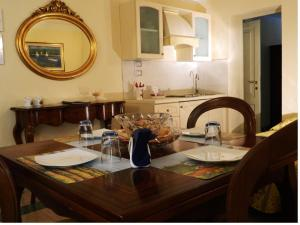 A restaurant or other place to eat at Il Campanile B&B