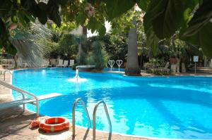 The swimming pool at or close to Reginna Palace Hotel