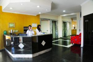 O saguão ou recepção de Litani Park Hotel