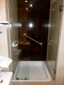 Un baño de Hotel Francisco De Aguirre