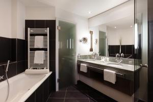 A bathroom at A-ROSA Kitzbühel