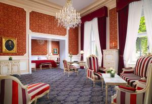 A seating area at Hotel Imperial, a Luxury Collection Hotel, Vienna