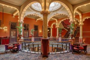 The lobby or reception area at Hotel Des Indes The Hague