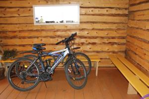 Катание на велосипеде по территории Lazurnyy Bereg или окрестностям