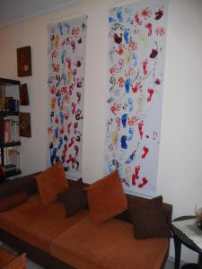 A seating area at Homy studio
