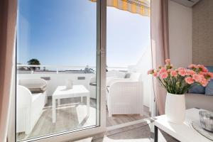 Balkon lub taras w obiekcie Apartment with amazing ocean view - Island Village Heights