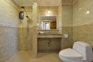 A bathroom at Princess River Kwai Hotel