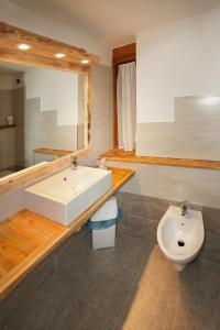 A bathroom at Assietta