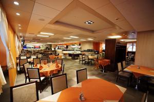 Restavracija oz. druge možnosti za prehrano v nastanitvi Hotel Marinšek