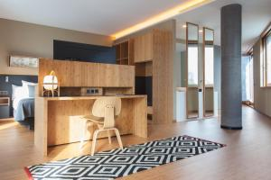 A kitchen or kitchenette at Ocean Drive Barcelona