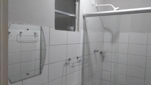 A bathroom at Hotel e Churrascaria Coqueiro Verde