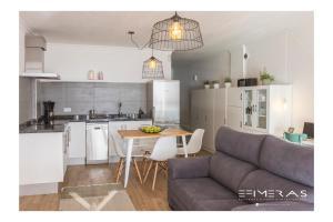 Una cocina o zona de cocina en Apartamento Atlántico Playa 1