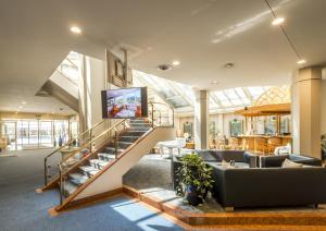 El vestíbulo o zona de recepción de Metropole Swiss Quality Hotel