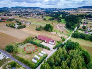 Widok z lotu ptaka na obiekt Dom Pod Dębami