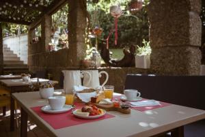 Um restaurante ou outro lugar para comer em Casa do Almocreve