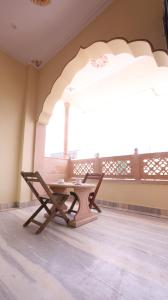 A seating area at Harsidhi Haveli