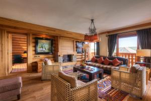 A seating area at Michlifen Resort & Golf
