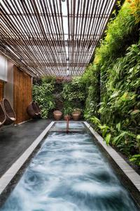 Der Swimmingpool an oder in der Nähe von Alba Spa Hotel