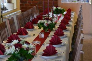 A restaurant or other place to eat at Landhaus Bondzio