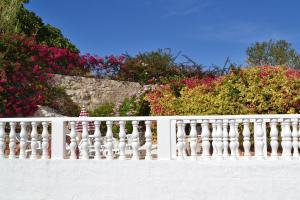 A balcony or terrace at The Boliqueime Inn
