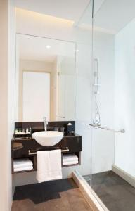 A bathroom at Four Points by Sheraton Jakarta Thamrin
