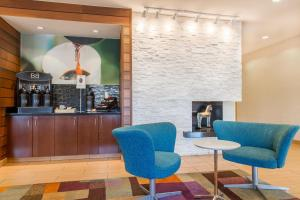 The lounge or bar area at Fairfield Inn & Suites Sioux Falls