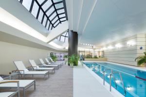 The swimming pool at or near Hilton Tokyo Hotel