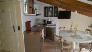 A kitchen or kitchenette at El Encanto del Moncayo