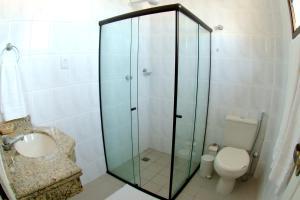 A bathroom at San Manuel Praia Hotel