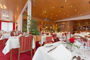 A restaurant or other place to eat at Hotel Hesborner Kuckuck