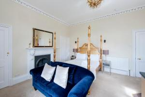 A seating area at Number 17 Bath