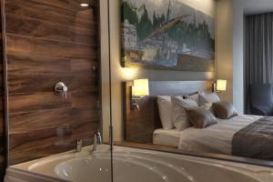 A bathroom at Gorrion Hotel Istanbul