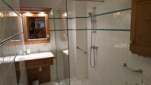 A bathroom at Premium Les Alpages de Chantel
