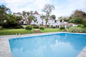 The swimming pool at or near Quinta de Sao Thiago