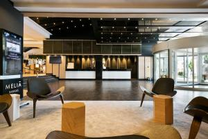 The lobby or reception area at Melia Barajas