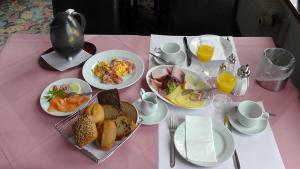 Frühstücksoptionen für Gäste der Unterkunft Hotel Kurhaus Uhlenberg