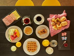 Breakfast options available to guests at Mama Shelter Rio De Janeiro