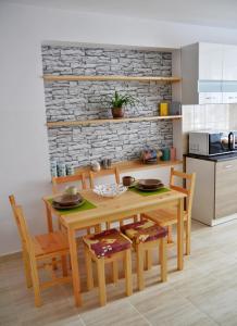 Kuchnia lub aneks kuchenny w obiekcie Apartament KARINA