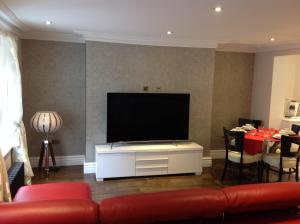 A television and/or entertainment center at iStay247 Apartments-Stoke Newington