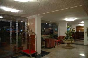 O saguão ou recepção de Qasr Al Balood Hotel Apartments Jeddah