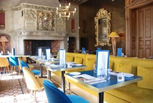 A restaurant or other place to eat at Domaine des Avenières